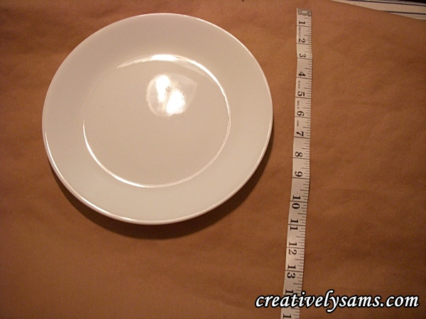 Use a plate to judge the amount of paper needed