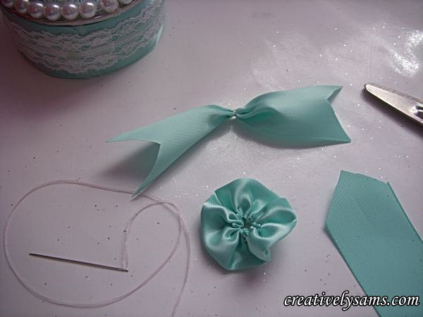 Cut tails with ribbon