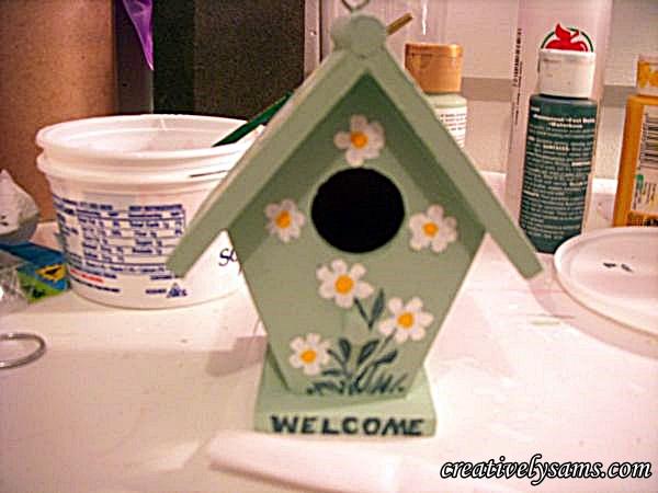 Daisy Birdhouse Welcome sign