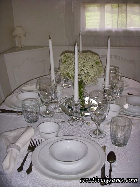 White & Crystal Tablescape