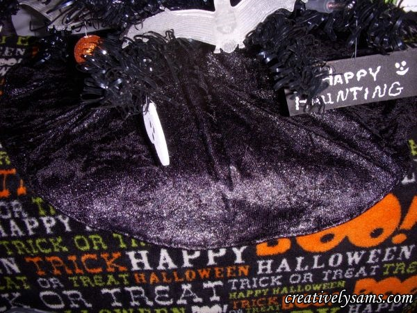 Halloween Tree Skirt in place