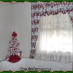 Santa theme tree & curtains
